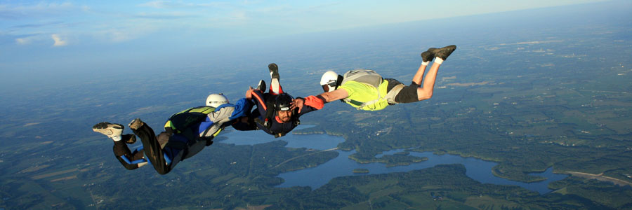 how to become a certified skydiver